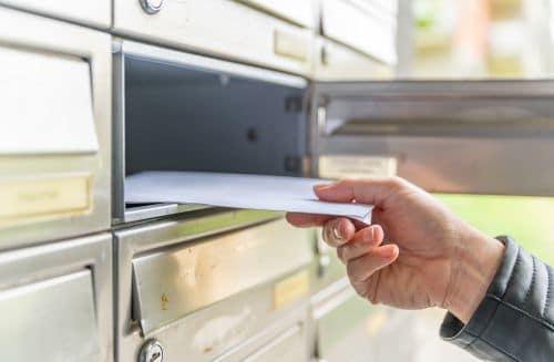 Daklozen briefadres bij familielid of vriend (in)